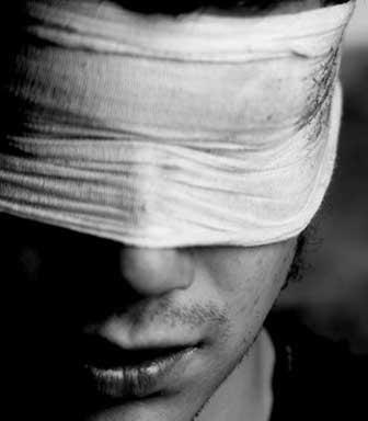 Quitarse la venda de los ojos: ese ejercicio genial de honestidad brutal, de maravillosa humildad, de ausencia de ego y responsabilidad personal